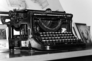 typewriter 2008 02 as bw